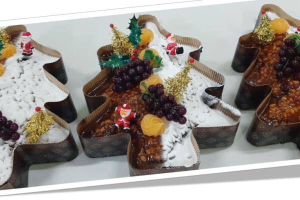 Pinheiro de chocolate com pinhões